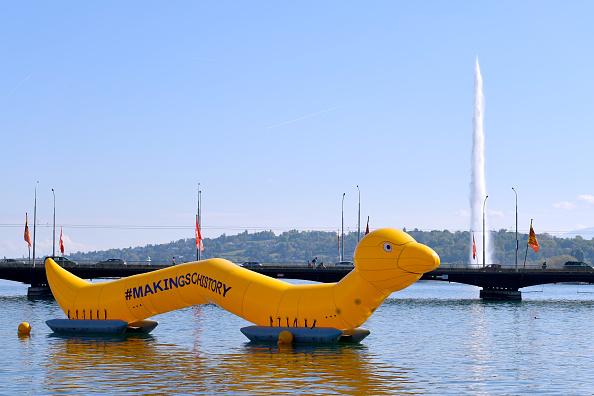 25 Meter「#MakingSchistory: Wormzilla Invades Lake Geneva」:写真・画像(17)[壁紙.com]