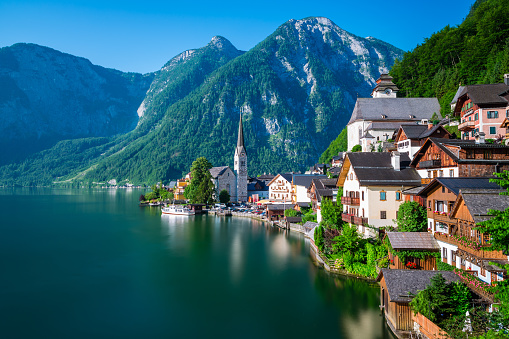 Salzkammergut「Hallstatt at early morning in summer, Austria」:スマホ壁紙(1)