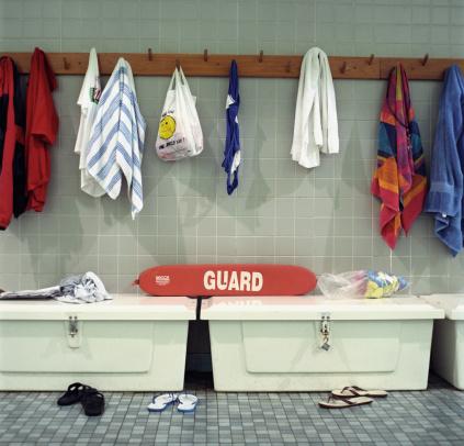Flip-Flop「Towels and Flip Flops on Wall」:スマホ壁紙(16)