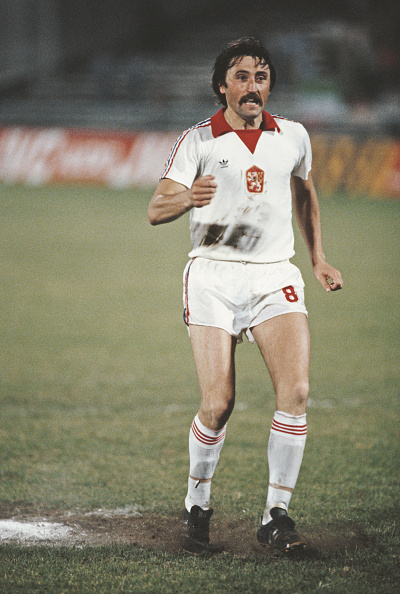 Best shot「Antonin Panenka Penalty Kick Czechoslovakia v Italy 1980」:写真・画像(9)[壁紙.com]