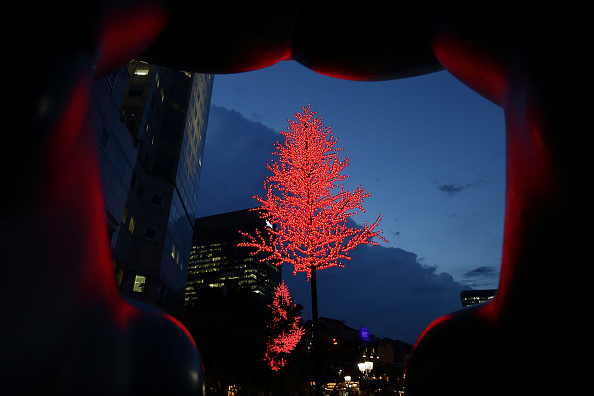 In A Row「Singapore Celebrates The Build Up To Christmas With Christmas By The River」:写真・画像(18)[壁紙.com]