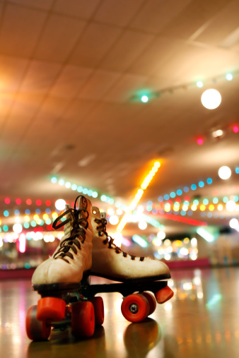 Roller skate「Rollerskates in the Roller Disco」:スマホ壁紙(7)