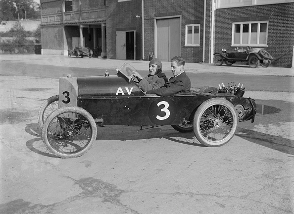 Race Car Driver「Reginald Empson in his AV at the JCC 200 Mile Race, Brooklands, Surrey, 1921」:写真・画像(16)[壁紙.com]