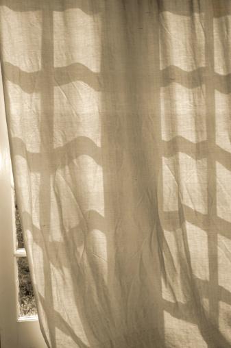 Sepia Toned「Curtain」:スマホ壁紙(6)