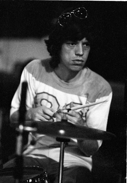 September「Jagger At Drum Kit」:写真・画像(2)[壁紙.com]