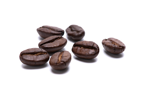 Roasted Coffee Bean「Closeup photo of seven coffee beans on a white background」:スマホ壁紙(6)