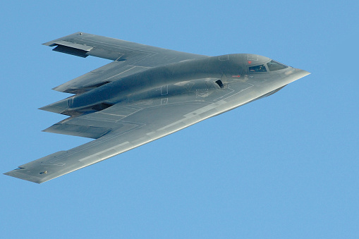 Military「Close-up photo of a B-2 stealth bomber in flight」:スマホ壁紙(8)