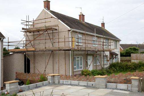 Restoring「Typical UK housing estate semi-detached」:スマホ壁紙(3)
