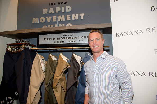 Athlete「Banana Republic and Falcons Quarterback Matt Ryan Introduce Men's Style Council and Rapid Movement Chino」:写真・画像(1)[壁紙.com]