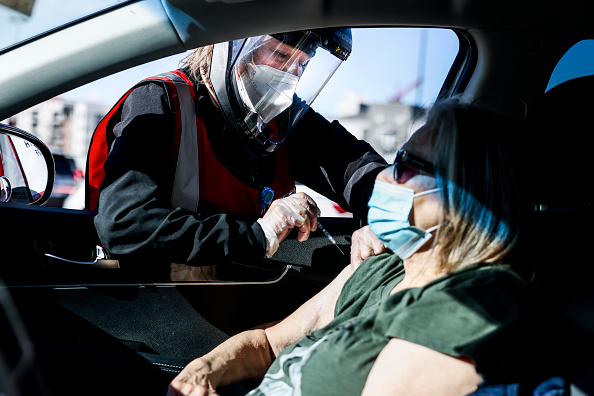 Bestof「Covid-19 Vaccine Drive Inoculates Thousands Of Elderly In Denver」:写真・画像(10)[壁紙.com]