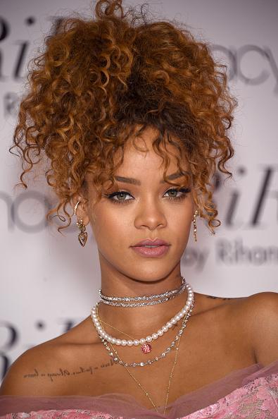 2015年「RiRi By Rihanna Fragrance Unveiling At Macy's Downtown Brooklyn」:写真・画像(18)[壁紙.com]