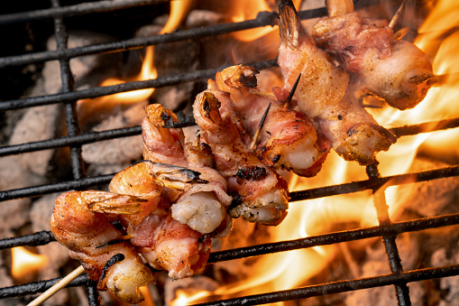 Ketogenic Diet「High Fat, Ketogenic Bacon Wrapped Jumbo Shrimp on a fiery old-fashioned Charcoal Grill」:スマホ壁紙(16)