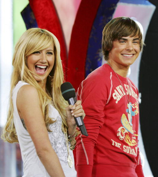 Long Hair「MTV TRL With Ashley Tisdale and Zac Efron」:写真・画像(17)[壁紙.com]