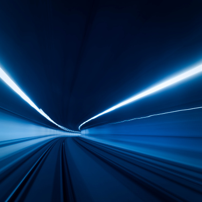 Railway「トンネル高速の動きの光跡」:スマホ壁紙(17)