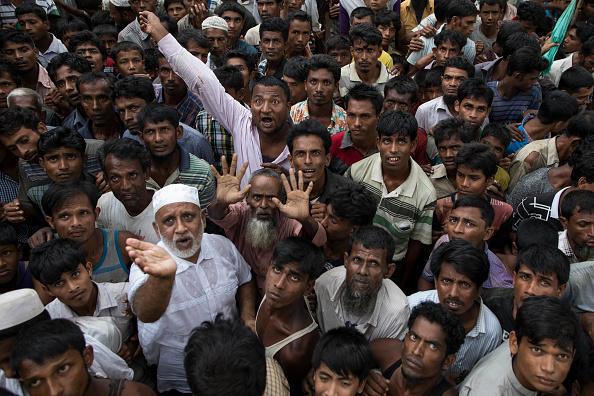 Waiting「Rohingya Refugees Flood Into Bangladesh」:写真・画像(5)[壁紙.com]