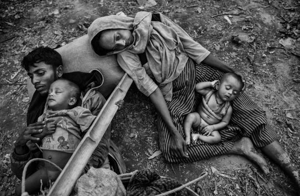 Rohingya Culture「Rohingya Refugees Flee Into Bangladesh to Escape Ethnic Cleansing」:写真・画像(12)[壁紙.com]