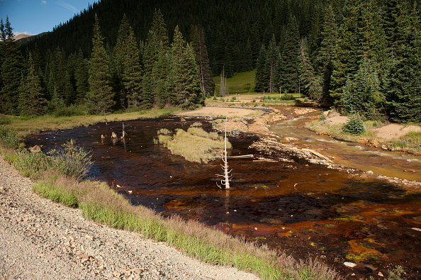 アニマス川「Federal Cleanup Crew Spills 3 Million Gallons Of Toxic Mine Waste In Colorado's Animas River」:写真・画像(2)[壁紙.com]