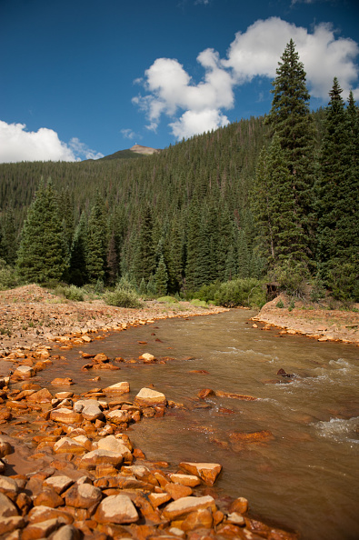 アニマス川「Federal Cleanup Crew Spills 3 Million Gallons Of Toxic Mine Waste In Colorado's Animas River」:写真・画像(6)[壁紙.com]
