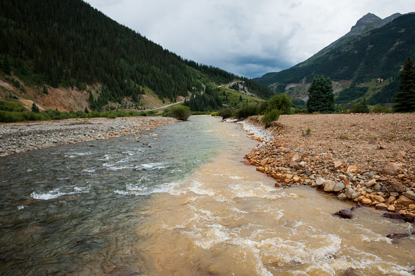 アニマス川「Federal Cleanup Crew Spills 3 Million Gallons Of Toxic Mine Waste In Colorado's Animas River」:写真・画像(0)[壁紙.com]