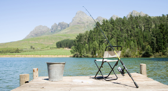 Gear「Fishing pole and chair on dock」:スマホ壁紙(9)