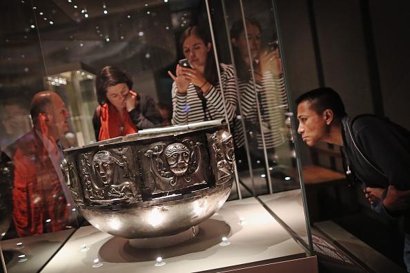 Visit「British Museum Previews Celts: Art And Identity Exhibition」:写真・画像(3)[壁紙.com]