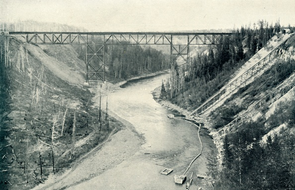 Water's Edge「The Loftiest Bridge East Of The Rocky Mountains」:写真・画像(17)[壁紙.com]