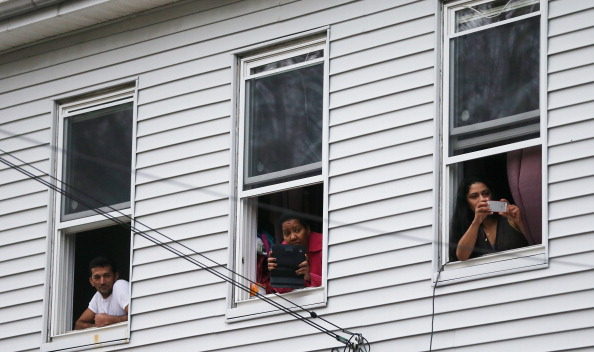 Apartment「Shootings In Cambridge, Watertown Draw Massive Police Response」:写真・画像(9)[壁紙.com]