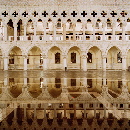 Puddle「Doge's Palace,Palazzo Ducale in Venice at night」:スマホ壁紙(11)