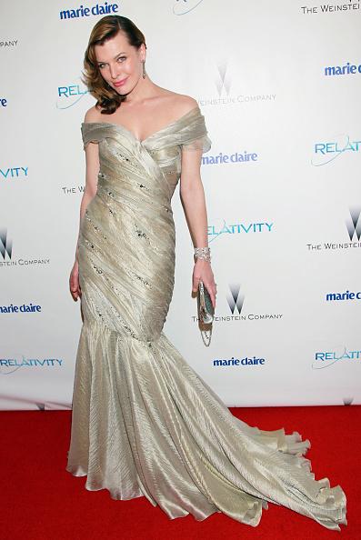 ミラ・ジョヴォヴィッチ「The Weinstein Company And Relativity Media's 2011 Golden Globe Awards Party - Arrivals」:写真・画像(6)[壁紙.com]