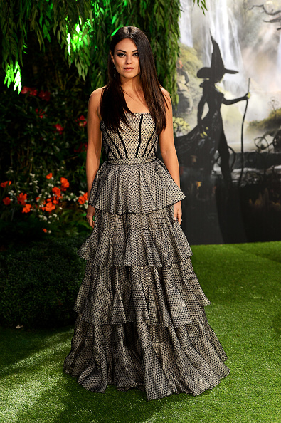 Gray Dress「Oz: The Great And Powerful - UK Premiere - Red Carpet Arrivals」:写真・画像(14)[壁紙.com]