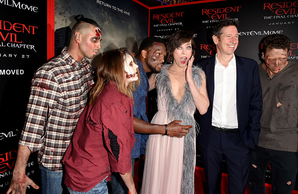 ミラ・ジョヴォヴィッチ「Premiere Of Sony Pictures Releasing's 'Resident Evil: The Final Chapter' - Red Carpet」:写真・画像(5)[壁紙.com]