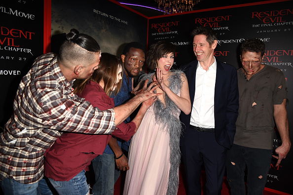 ミラ・ジョヴォヴィッチ「Premiere Of Sony Pictures Releasing's 'Resident Evil: The Final Chapter' - Red Carpet」:写真・画像(7)[壁紙.com]