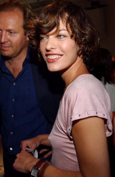 セレブリティ「Donna Karan Spring 2005 - Front Row Donna Karan Spring 2005 - Front Row」:写真・画像(18)[壁紙.com]