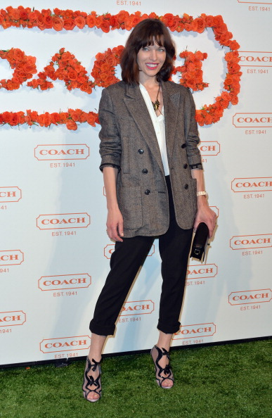 White Blouse「3rd Annual Coach Evening to Benefit Children's Defense Fund - Arrivals」:写真・画像(1)[壁紙.com]