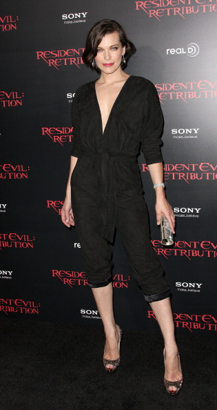 ミラ・ジョヴォヴィッチ「Premiere Of Screen Gems' 'Resident Evil: Retribution' - Arrivals」:写真・画像(8)[壁紙.com]
