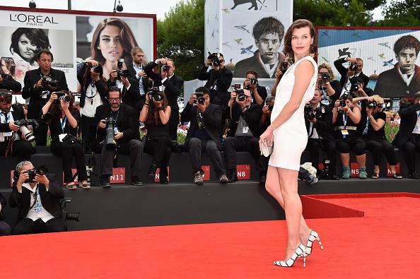 ミラ・ジョヴォヴィッチ「'Cymbeline' - Premiere - 71st Venice Film Festival」:写真・画像(2)[壁紙.com]