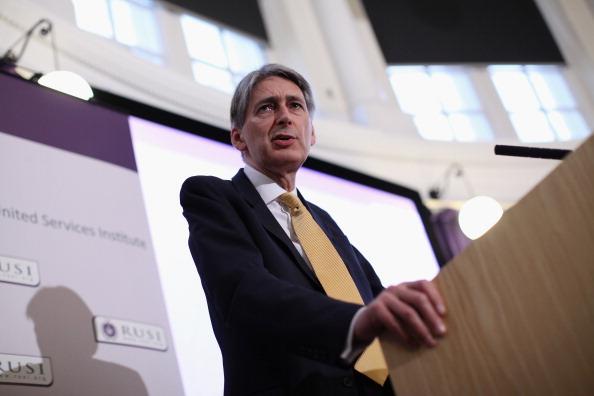 Oli Scarff「Philip Hammond Makes His First Speech As Defence Secretary」:写真・画像(15)[壁紙.com]