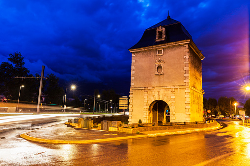 グルノーブル「France, Auvergne-Rhone-Alpes, Grenoble, Porte de France」:スマホ壁紙(12)