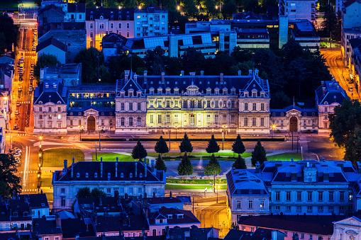 グルノーブル「France, Auvergne-Rhone-Alpes, Grenoble, Grenoble panorama at evening」:スマホ壁紙(11)