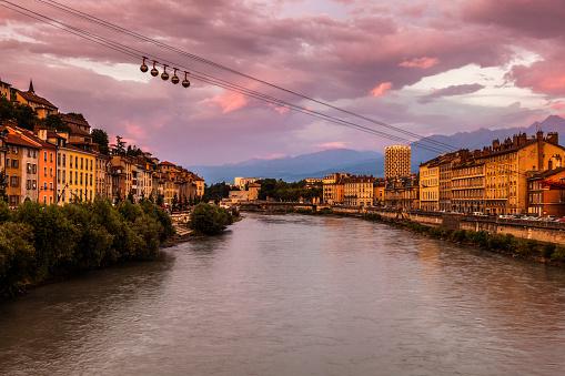 Grenoble「France, Auvergne-Rhone-Alpes, Grenoble-Bastille cable car」:スマホ壁紙(19)
