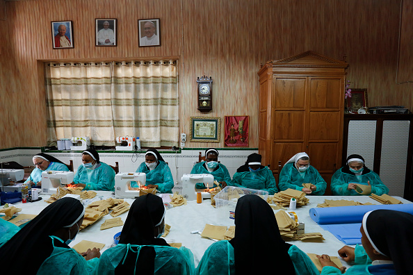 Convent「Spain Extends Stricter Coronavirus Lockdown As Death Toll Continues To Rise」:写真・画像(5)[壁紙.com]
