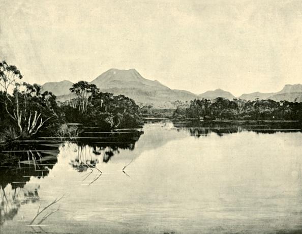 Water Surface「Mount Gould」:写真・画像(6)[壁紙.com]