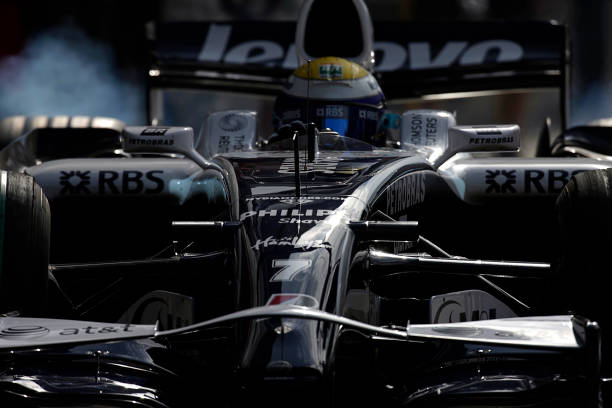 Japanese Formula One Grand Prix「Nico Rosberg, Grand Prix Of Japan」:写真・画像(13)[壁紙.com]