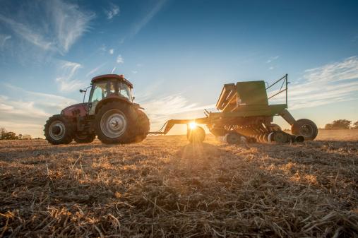 Agricultural Machinery「Seeding at sunset」:スマホ壁紙(7)