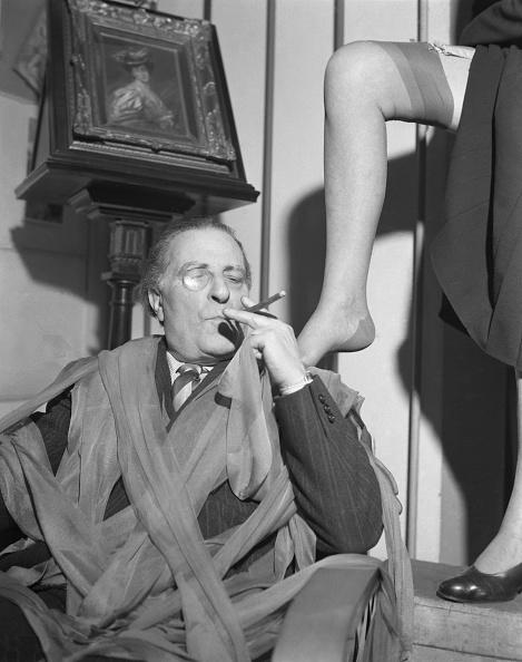 Pantyhose「Tights Adn Cigar」:写真・画像(14)[壁紙.com]