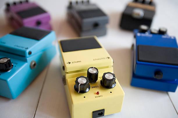 Guitar effects pedals:スマホ壁紙(壁紙.com)