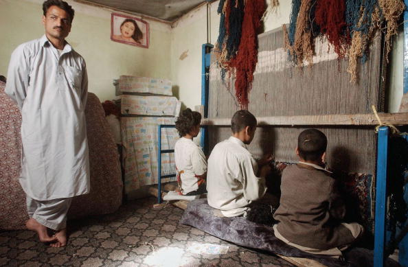 Rug「Rug Making In Kabul」:写真・画像(9)[壁紙.com]