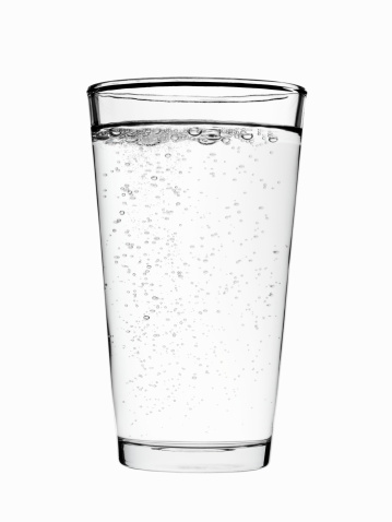 炭酸飲料「Glass of sparkling water on white background」:スマホ壁紙(17)