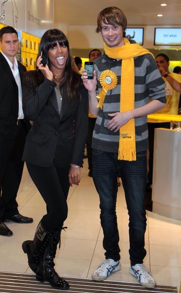 Black Hair「Kelly Rowland Promotes iPhone 4  In Sydney」:写真・画像(11)[壁紙.com]