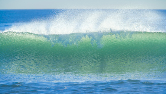 Westland - South Island New Zealand「Wave breaking, with spray」:スマホ壁紙(15)